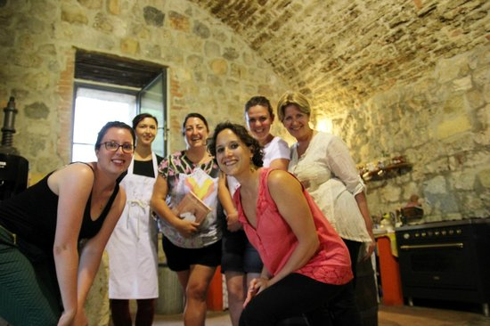 Ecco La Cucina: our group with Eleanor