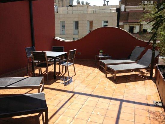 Up Suites Bcn: Roof Terrace