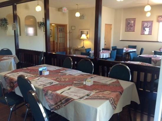 The Clansman Motel: Dining room