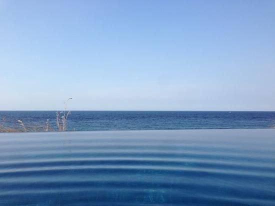Villa Bukit Segara: Pool & Sea