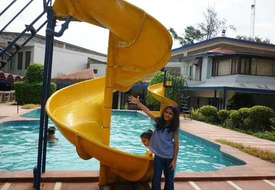 Best Western Resort Country Club: Kids pool with mini water slides is main attraction for kids