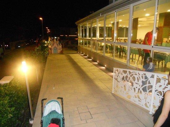 Hotel Albatros: vista della passerella e della sal pranzo