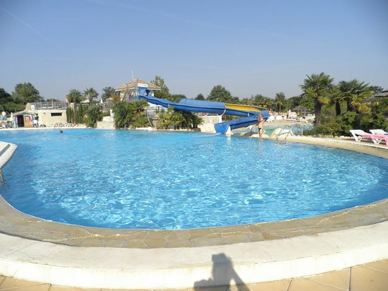 Camping Séquoia Parc : 2nd pool and slide