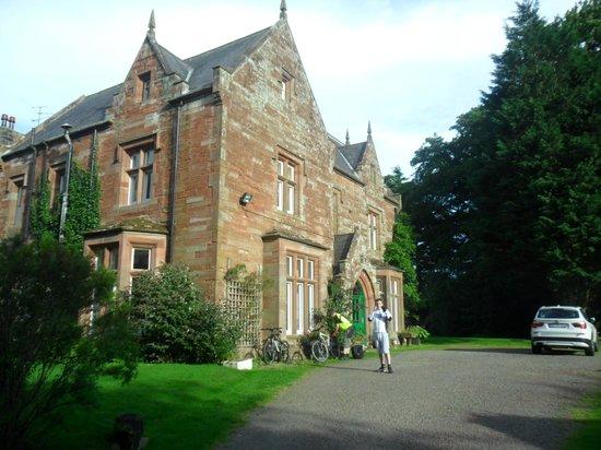 Oakwood Park Hotel (front)
