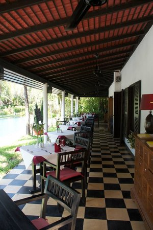 La Maison d'Angkor: Dining and Breakfast