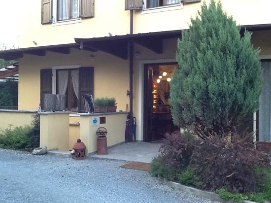 Hotel Langhe: l'ingresso...