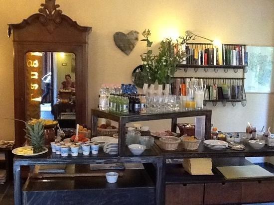Hotel Langhe: la colazione, molto buona e di qualita'!