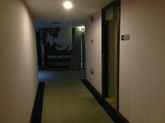 FX Hotel Shanghai North Bund: Hallway level 5