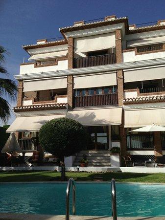 Hotel Villa Sur: Une façade mignonnette