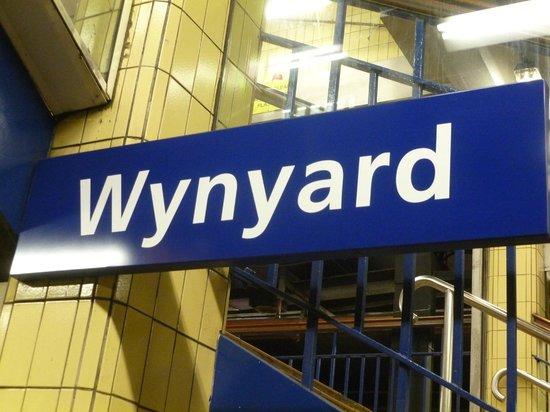 Travelodge Wynyard Sydney: Station de métro proche