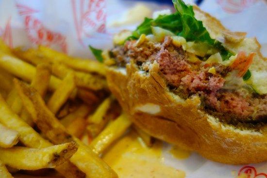 Teddy's Bigger Burgers: Best burgers I've ever tasted!!