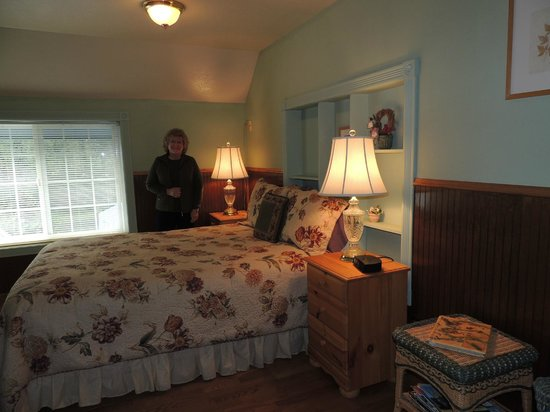 Brookside Inn Bed and Breakfast: Our Room