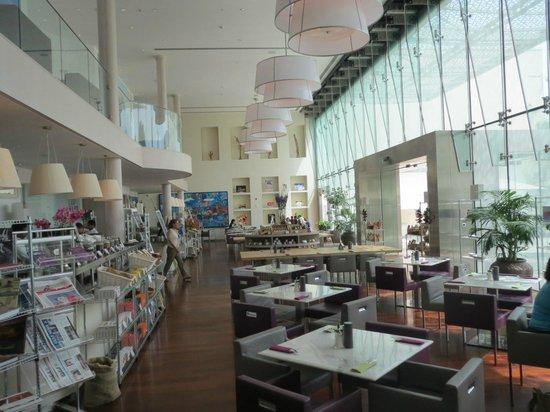 Manarat al Saadiyat: Cafe