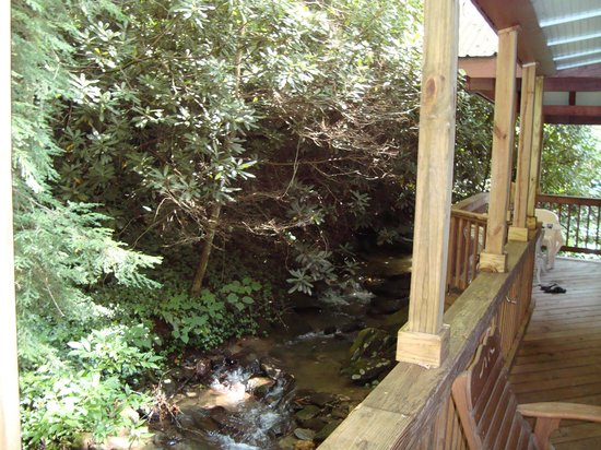 Timberwolf Creek Bed & Breakfast : Back