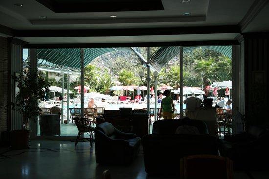 L'Etoile Hotel: Pool & General Area