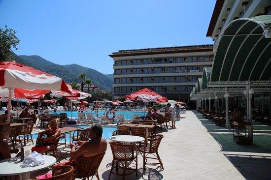 L'Etoile Hotel: Pool