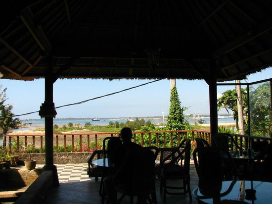 Sanur Seaview Hotel: View from breakfast pavilion