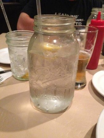 Harry's Old Place: mason jar glasses