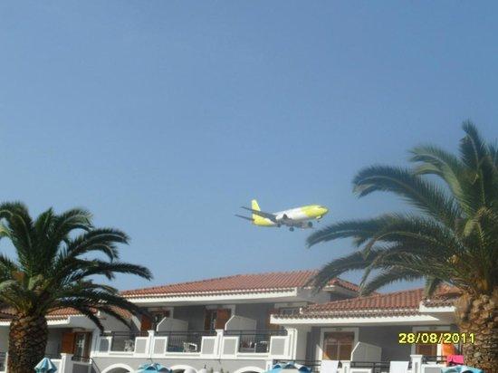 Golden Sun Hotel: Planes