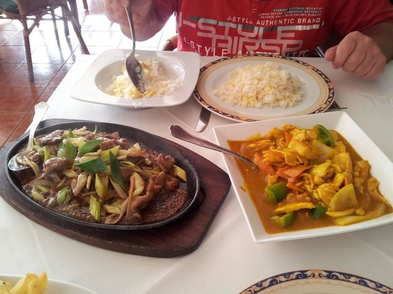 New World: Sizzling beef and curry with chicken
