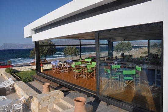 Viglia Beach Apartments : breakfast open space
