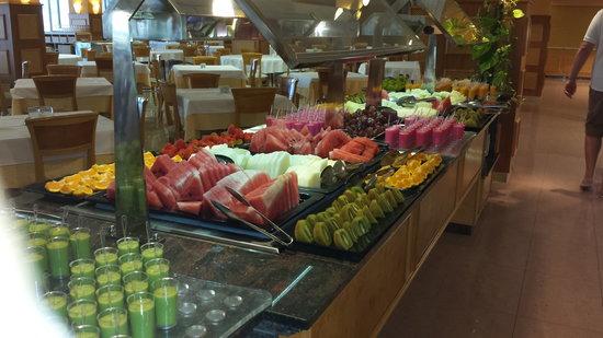 Buffet picture of iberostar jardin del sol suites santa for Casa jardin buffet