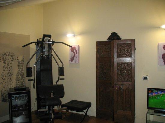 Avanguardia Luxury Rooms & Suite: exercise equipment