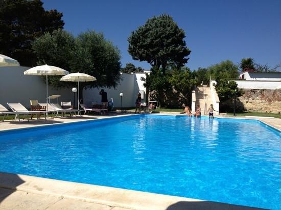 Hotel Masseria Bandino : piscina