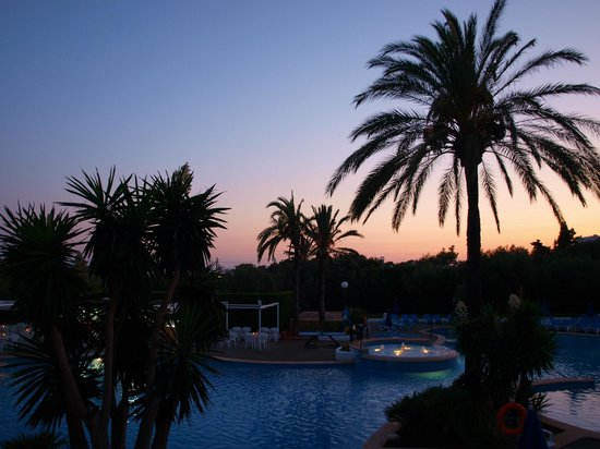 Inturotel Cala Azul Garden: Evening View