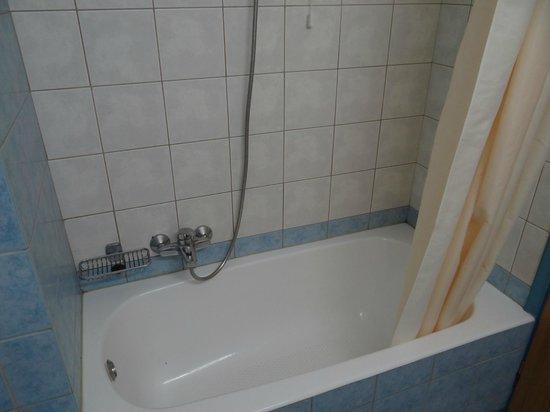 Akti Chara Hotel: Bathroom