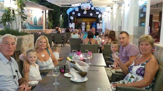 Ristorante Pizzeria BBQ Steakhouse La Fontanella : Our Table