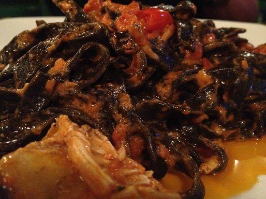 Locanda del Sole Nero : tagliatelle nere alle aragostelle