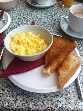 The Boutique Hotel : scrumbled eggs & toast