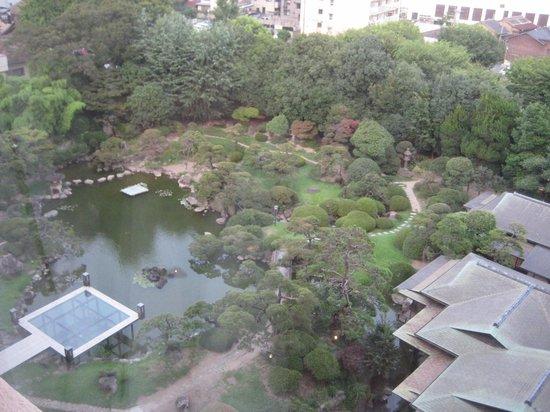 Hotel New Tagawa: 部屋から・・700坪の日本庭園