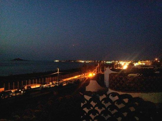 Saracen Resort Beach & Congress Hotel: Von der Abendessenterrasse Aussicht bei Sonnenuntergang nach Osten