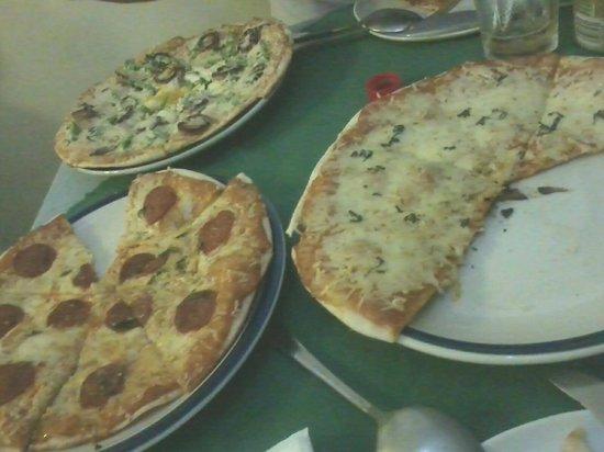 Leona Art Restaurant: Leona's Art Restaurant - 3 Pizzas for P499