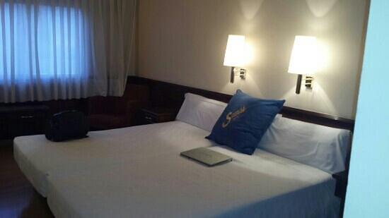 Hotel Sansi Park: foto habitación ( siempre con mi portatil)