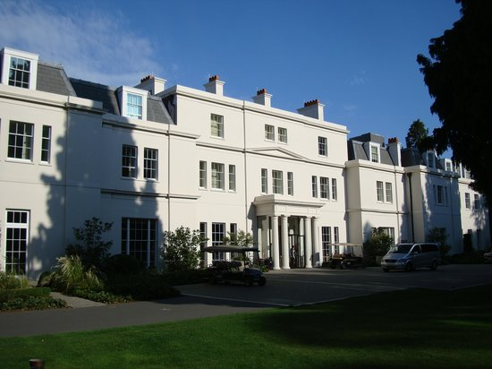 Coworth Park - Dorchester Collection: Hotel exterior