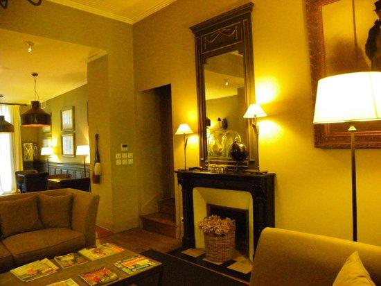 Hotel Particulier La Chamoiserie: salon, bibliothèque