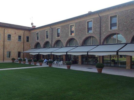 Hotel Veronesi La Torre: Terrasse