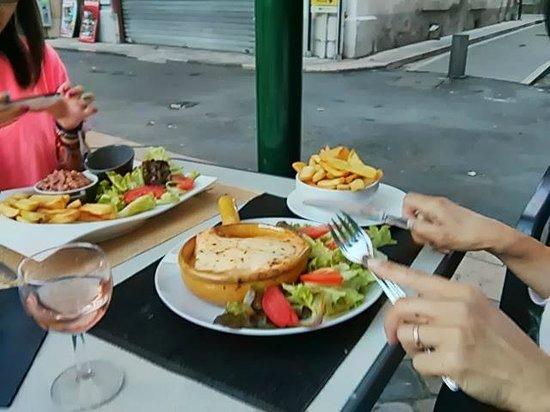 Cafe du Fleuve