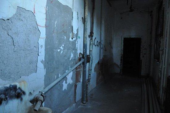 Waverly Hills Sanatorium : A hallway on the first floor...