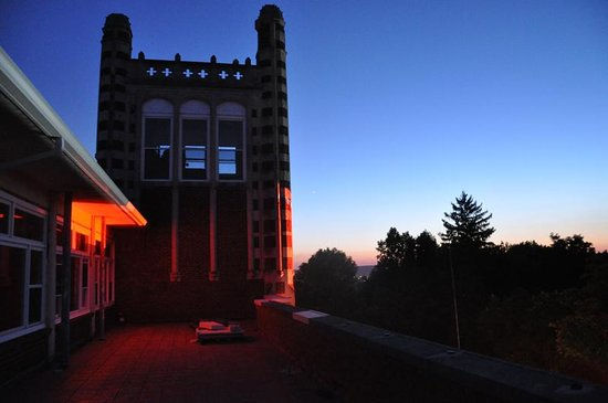 Waverly Hills Sanatorium : A beautiful view from the roof.
