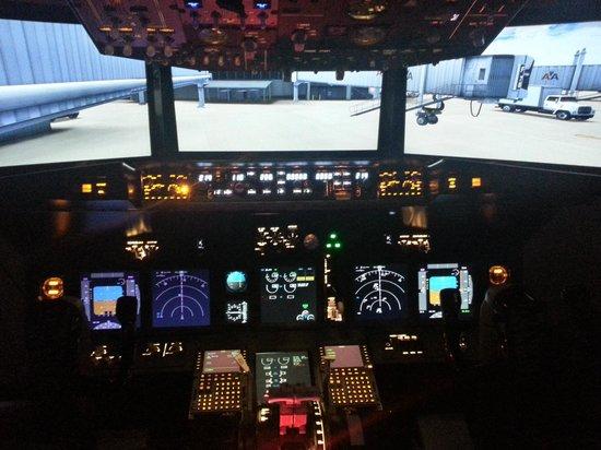 SimCenter: 737-800