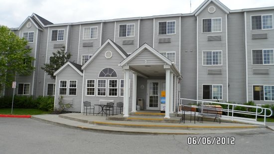 Microtel Inn & Suites by Wyndham Anchorage Airport : hotel
