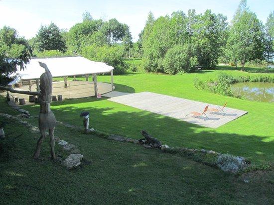 Hiie Farm: The grounds, ball dancing area