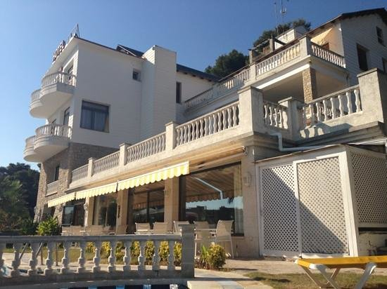 Hotel Bonsol : front of hotel