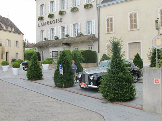Hotel Lameloise : Convenient parking for someone else's treasure vehicle