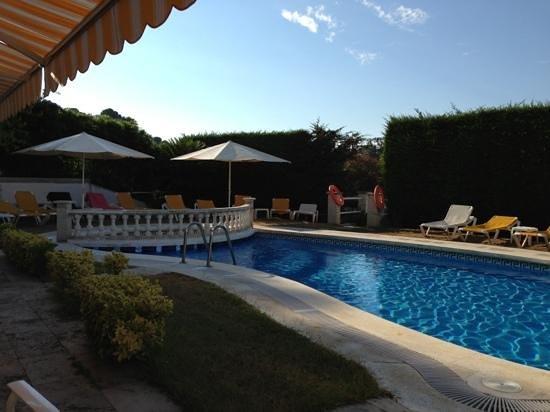 Bonsol Lloret : morning at the pool