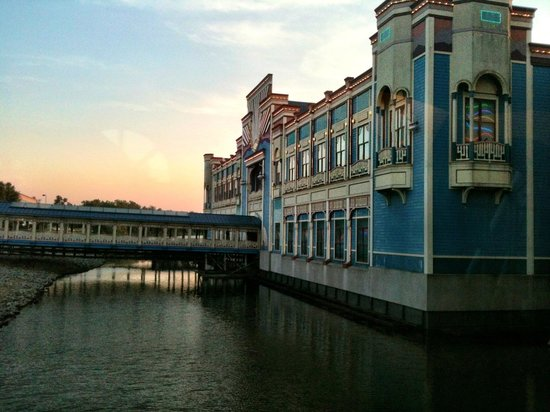 Harrahs Hotel And Casino: Harrah's Tunica - Sunset